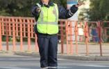 Как легче понять жесты регулировщика в ПДД и на дороге