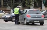 Водитель не обязан покидать свой автомобиль для подписания протокола