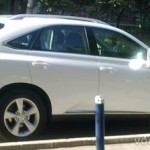 Белый автомобиль популярен и практичен