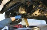 Как заменить масло в двигателе правильно?