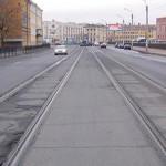 Как правильно поворачивать налево и разворачиваться при наличии трамвайных путей попутного направления