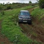 Как работает система помощи при спуске автомобиля по склону