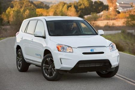 4 авто: Toyota RAV4