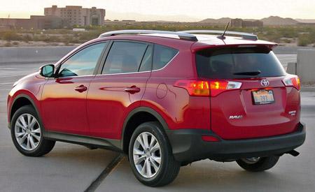 внедорожник 2013 года Toyota RAV4