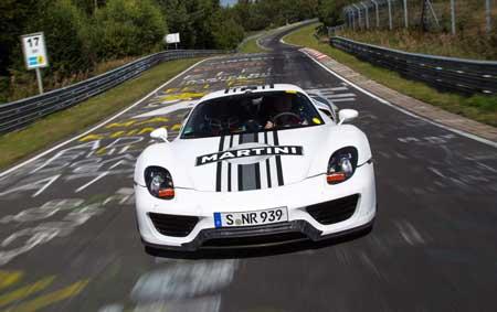 автомобиль Porsche 918 Spyder