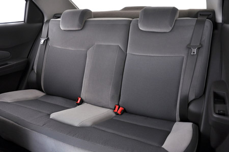 задние сиденья автомобиля Chevrolet Cobalt