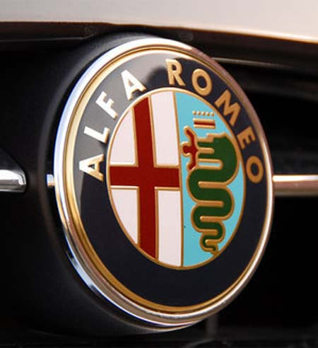 Значки автомобилей Альфа Ромео