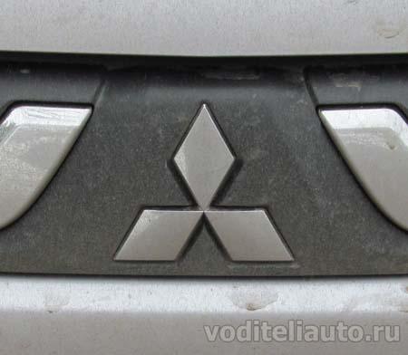 Значки автомобилей Митсубиси