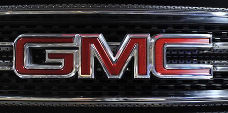 Эмблема на автомобилях GMC