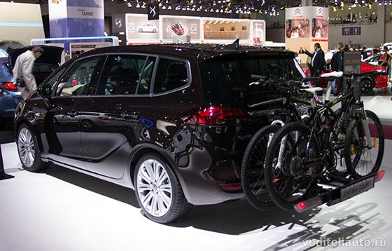 Автомобиль Opel Zafira Tourer