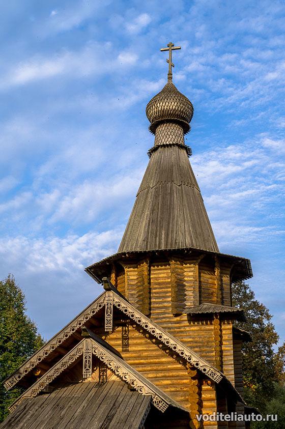 Звенчатка, деревянная церковь, освященная в честь Василия Великого