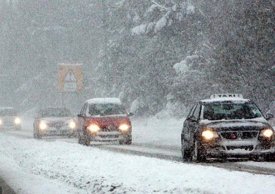 снегопад на дороге