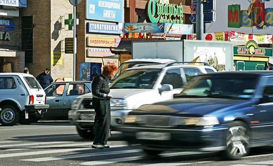 Обгон на пешеходном переходе запрещен и очень опасен