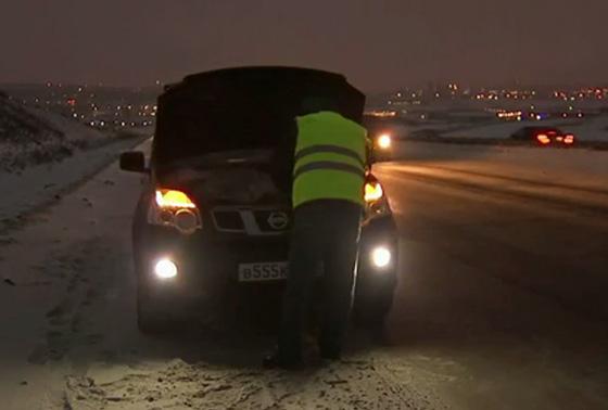 использование водителями светоотражающих жилетов согласно п. 2.3.4 ПДД в темное время суток