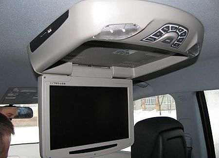 телевизор в машину на потолок