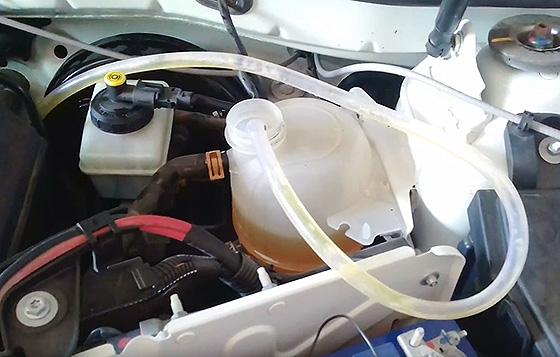 как выпустить воздух из системы охлаждения