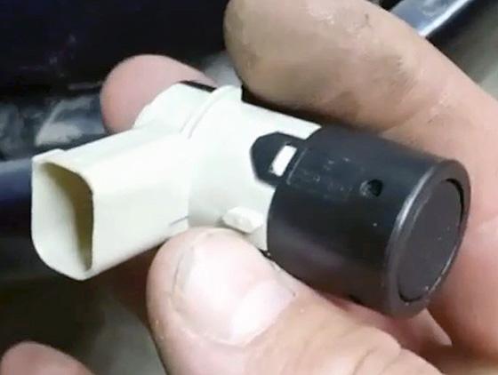 как прозвонить датчик парктроника мультиметром