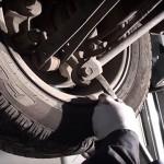 Возможные причины стука в передней подвеске при езде по мелким кочкам