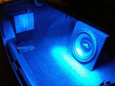 авто подсветка багажника