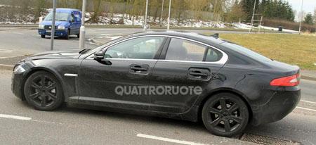автомобиль Jaguar XS