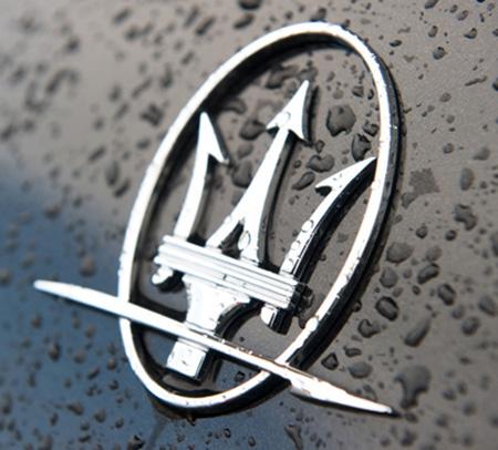 Эмблема автомобилей Maserati