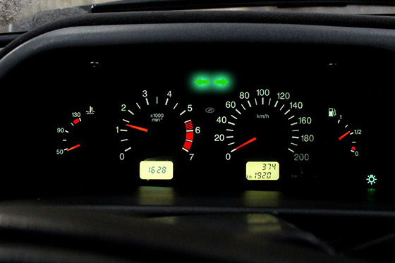 индикатор работы аварийной сигнализации в авто