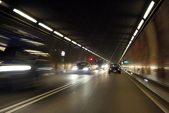 Остановка и стоянка в тоннелях запрещена