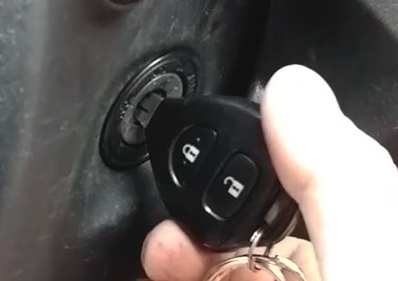 почему не поворачивается ключ зажигания
