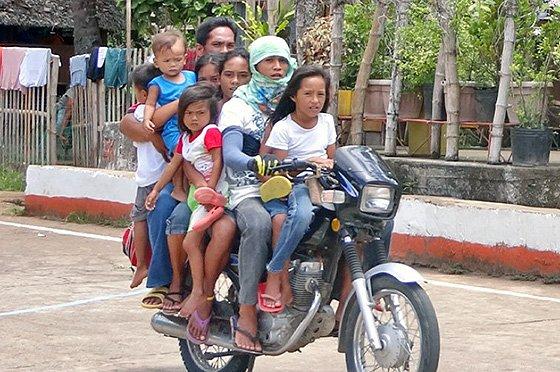 ПДД правила перевозки детей в машине и на мотоцикле